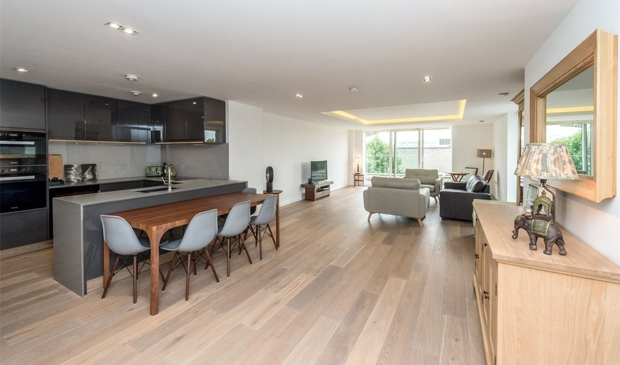 flat to rent in Landau Apartments, 72 Farm Lane, SW6 1BQ-View-1