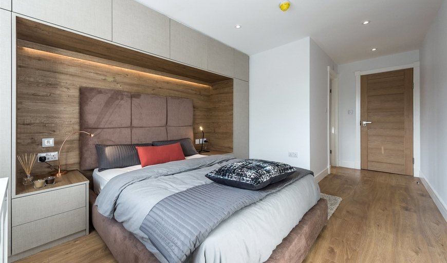 property to rent in Lavender Hill, London, SW11 5QL-View-1