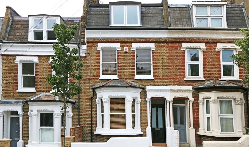 house to rent in Mossbury Road, London, SW11 2PA-View-1