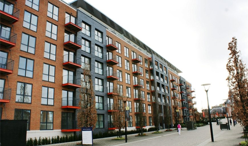 flat to rent in No 1 Street, , SE18 6FB-View-1