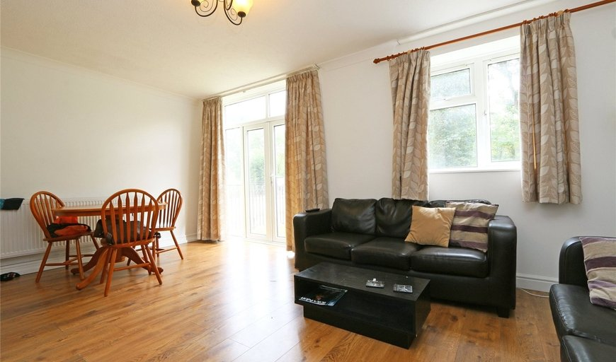 maisonette to rent in Spencer Park, London, SW18 2SY-View-1