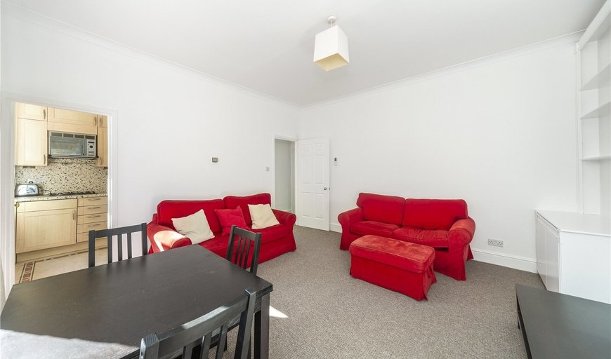 flat to rent in St. James Terrace, Boundaries Road, SW12 8HJ-View-1