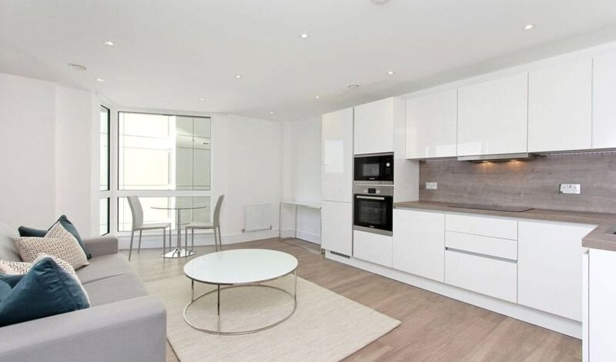 flat to rent in Tavern Quay, Rope Street, SE16 7EX-View-1
