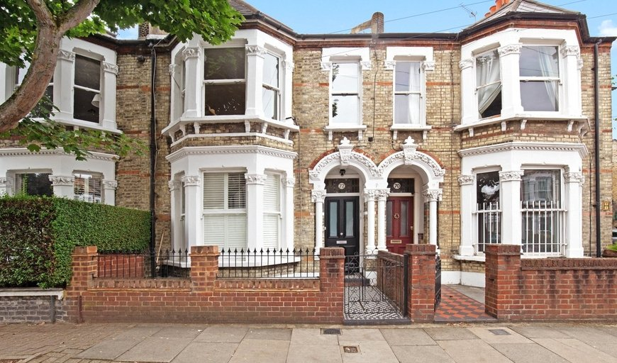 maisonette to rent in Taybridge Road, London, SW11 5PT-View-1