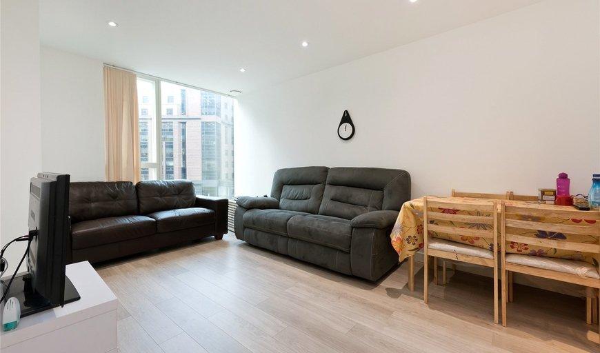flat to rent in Tennyson Apartments, 1 Saffron Central Square, CR0 2FW-View-1