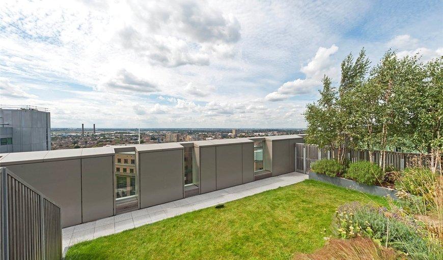 flat to rent in Tennyson Apartments, 1 Saffron Central Square, CR0 2FX-View-1