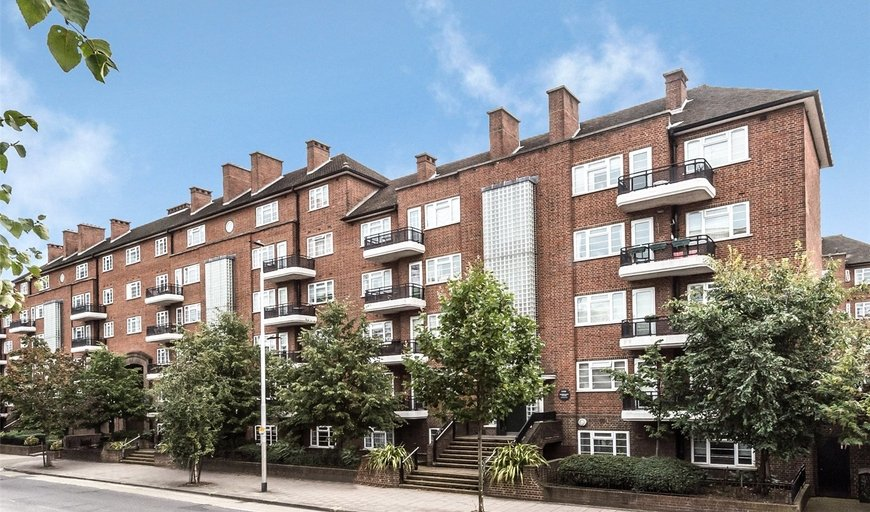 flat to rent in Wilbraham House, Wandsworth Road, SW8 2XD-View-1